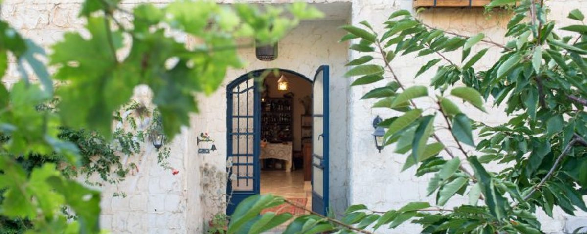 guita-entrance-door-740x560